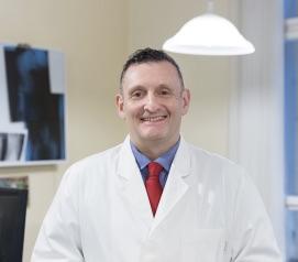 Dr. Erbszt András